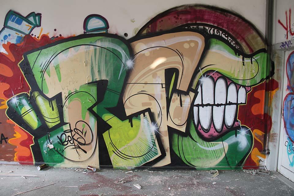 Graffiti by Beks in Berlin