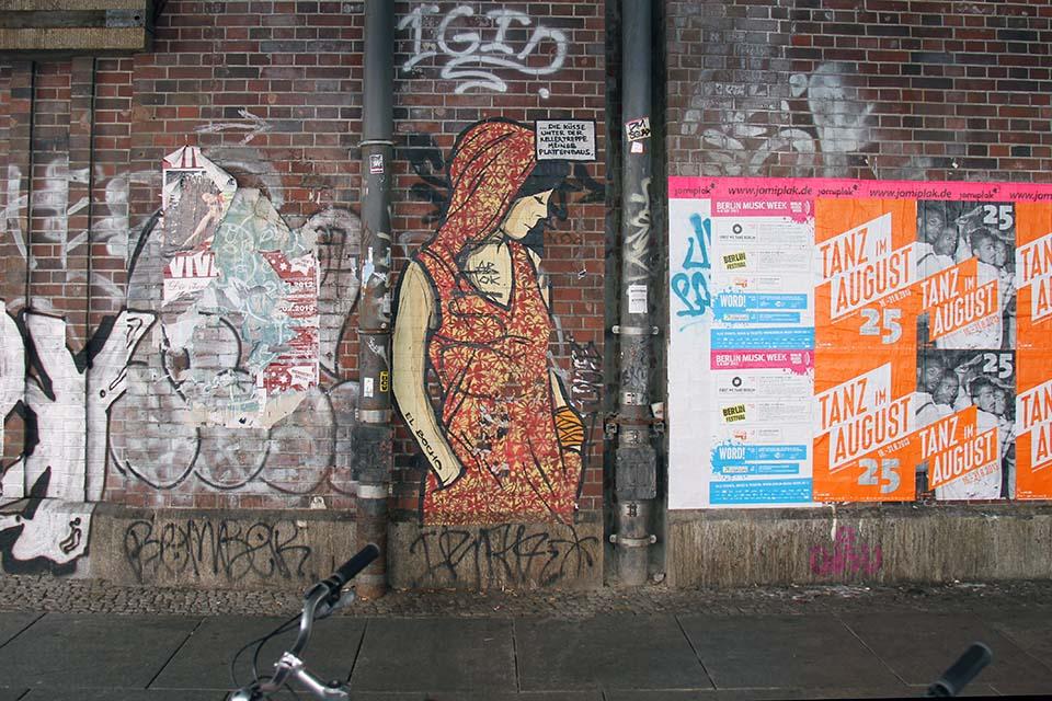 Cut-Out Straßenmalerei