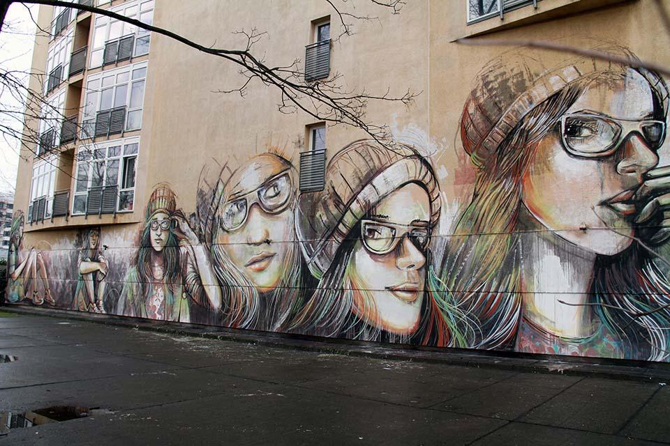 Street Art by Alice Pasquini in Berlin