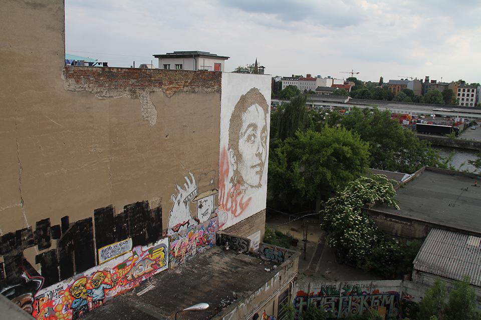 Street Art by Vhils in Berlin